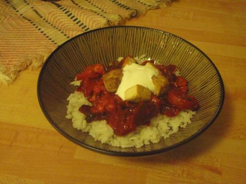 Currysmakande rödbetswok med basmatiris